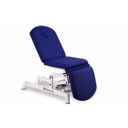 Camilla tipo sillón de tres secciones